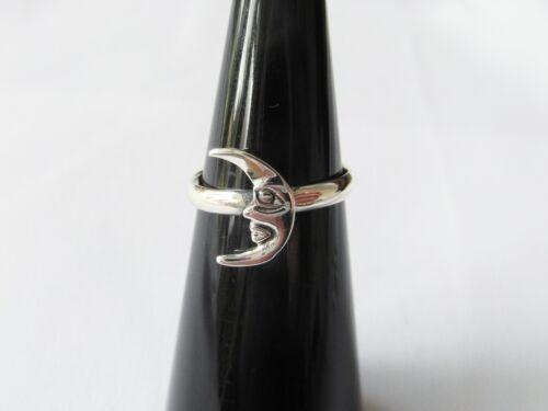 New !! Sterling  Silver Adjustable  Quarter  Moon  Toe  Ring  ! 925