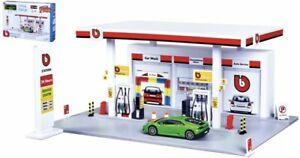 Bburago Build Your City - Gasolinera Playset + 1 Coche, Kit Construcción 1:43