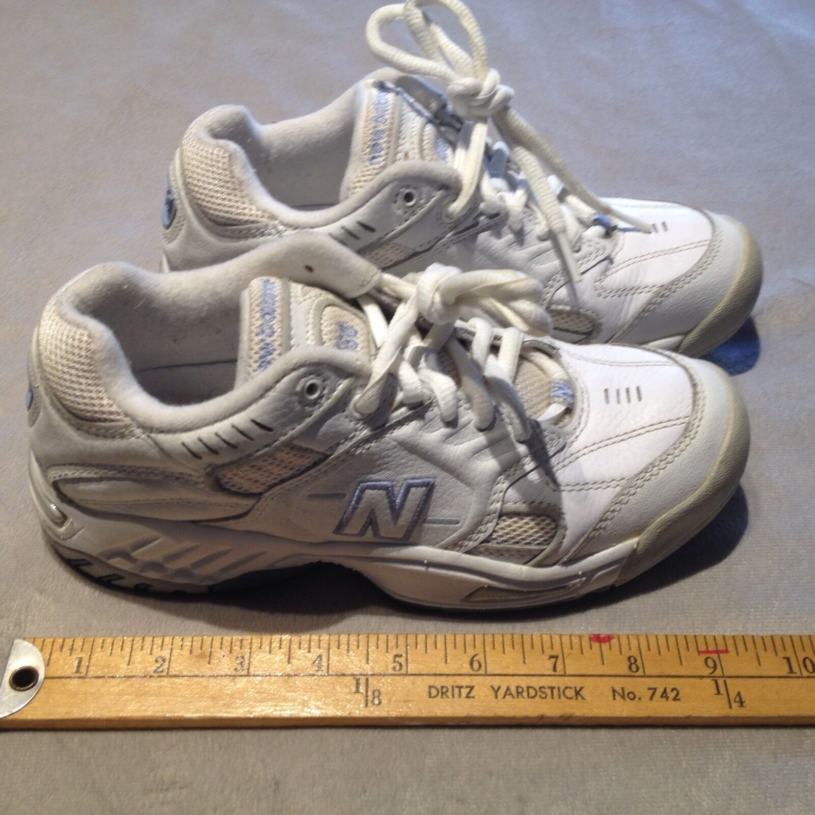 NEW BALANCE 650 Women's Leather Walking Lace-Up Sneaker shoes US 6 White