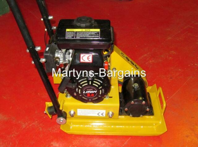 WACKER PLATE WITH 3 HP PETROL ENGINE. HS 50 COMPACTOR PLATE