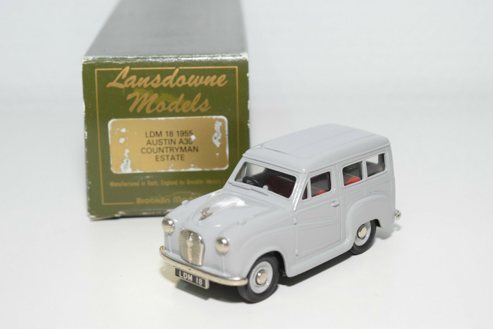 . LANSDOWNE MODELS LDM 18 AUSTIN A30 COUNTRYMAN ESTATE 1955 GREY MINT BOXED