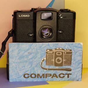 LOMOGRAPHY-RUSSO-LOMO-LC-A-35mm-fotocamera-compatta-film-32mm-Lens-in-scatola-di-lavoro