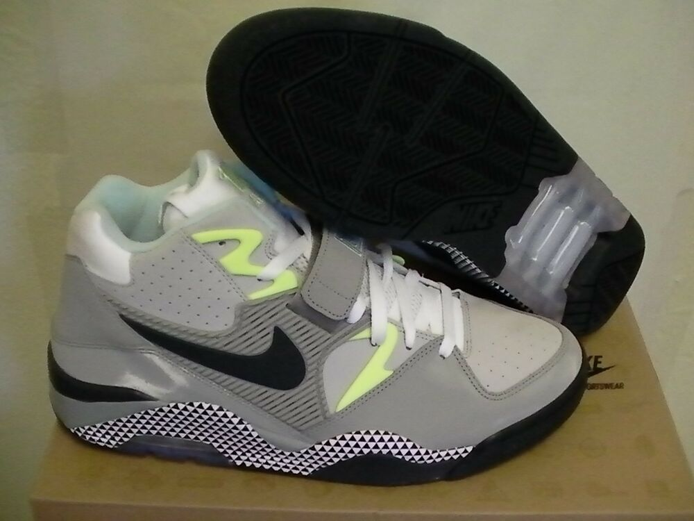 Nike Obliger Aérienne 180 Hoh Taille 13 Ans Chaussures de Basketball Neuf