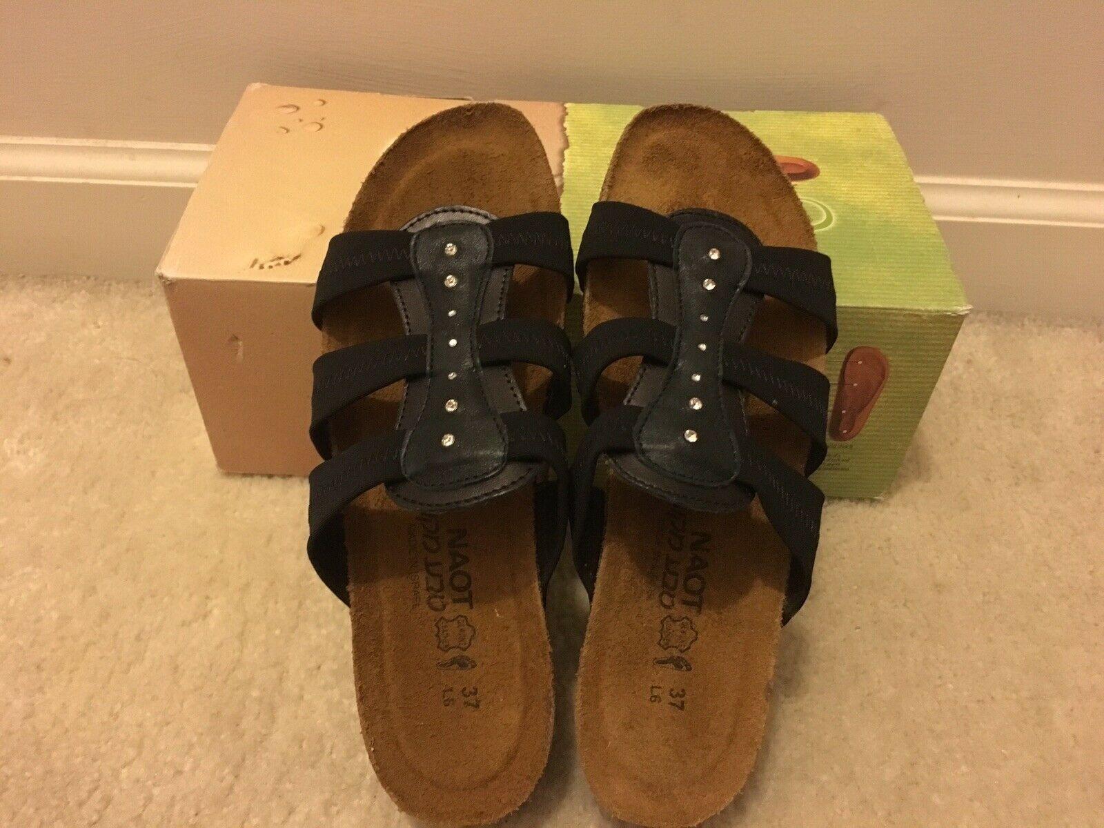 Naot-Brooke-schwarz-leather and stretch sandals New-In-Box EU37 US6