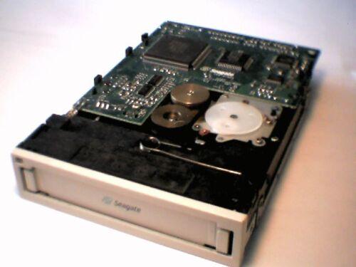 Seagate Hornet IDE Travan TR5 Tape Drive STT320000A IDE 40pin 10//20GB ATAPI
