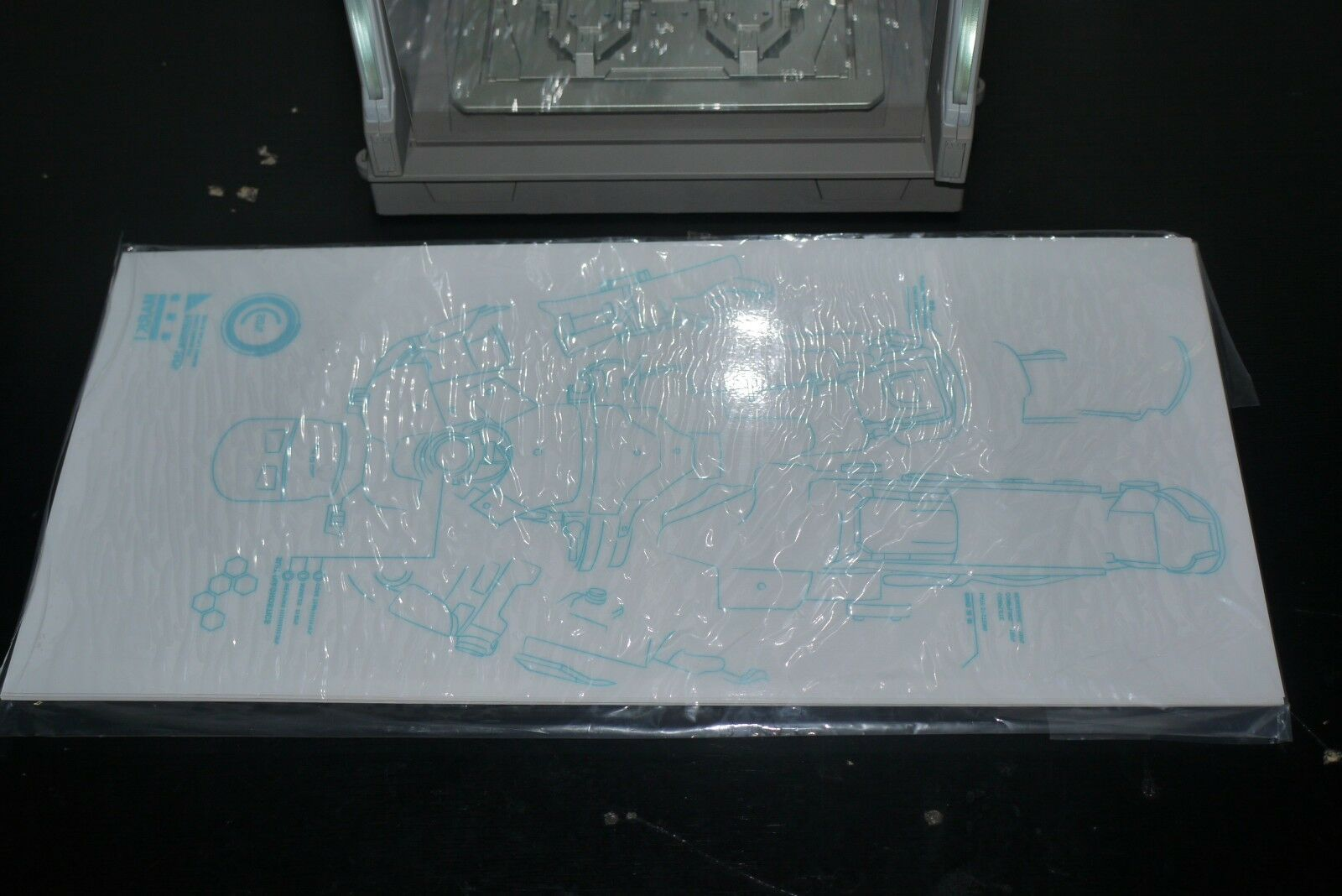 Hot Toys 1 6 Iron Man 3 3 3 Hall of Armour DS01 BOXED B 5b2295