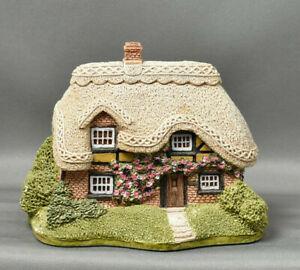 Lilliput-Lane-Bramble-Cottage-con-escritura-1990-y-caja-hecha-a-mano-en-Cumbria-Reino-Unido