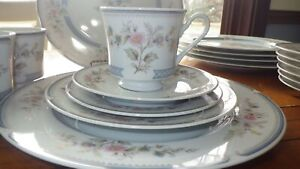 Porcelain Dinnerware set Stratford by BROOKWOOD service 6 + EUC 35 pcs