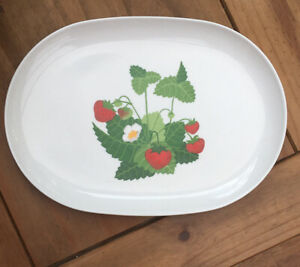 Vintage-Melamine-Serving-Plate-Made-In-Italy-Strawberry-Design-35x25-Cm