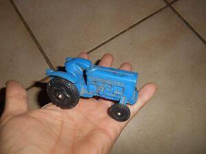 Ancien-Tracteur-Miniature-en-Plastique-jouet-de-bazar