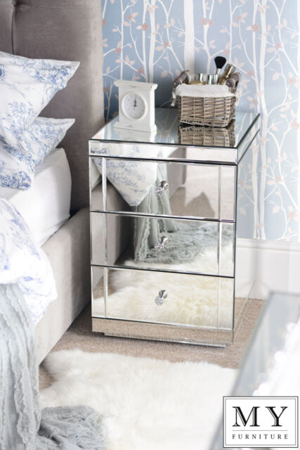 2 x Mirrored Bedside Table cabinet 3 Drawers with Plinth (LUCIA)(ID:18332-18380)