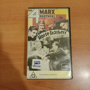 THE-4-MARX-BROTHERS-HORSE-FEATHERS-VHS-VIDEO-IN-VERY-GOOD-CONDITION