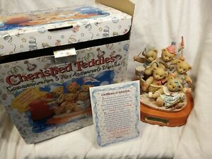 Cherished-Teddies-034-Commerative-5-Year-Annivery-Figure-Group-034-Boxed