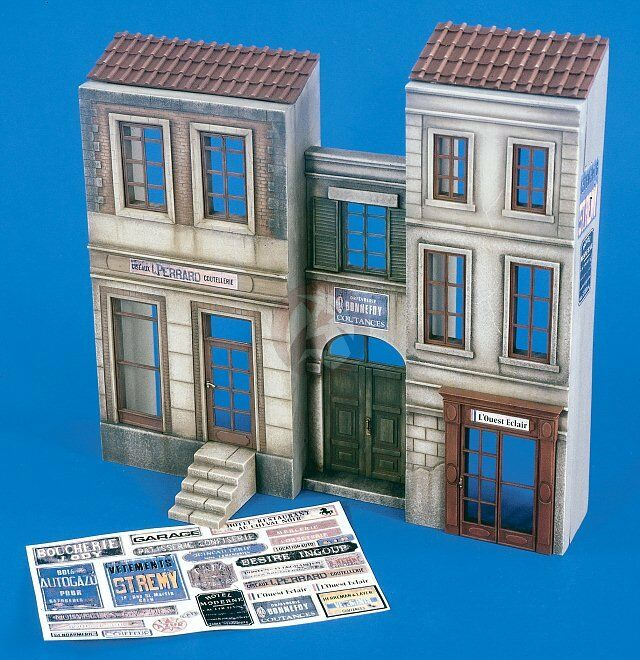 Verlinden 1 35  European Street Section  2-Story House Front Facade WWII 2172