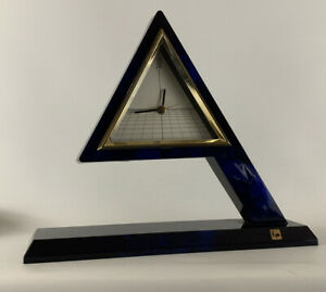 Vintage-Mid-Century-1980-s-Modern-Memphis-Japan-Kyo-Floating-Pyramid-Clock