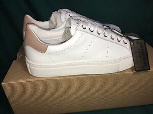 White Leather Fashion Sneaker Sz 6