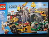 Lego City The Mine 4204 Mining Crane Construction Site Dump Truck Drill