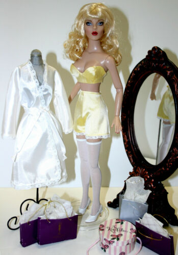 """Lingerie /& Robe Doll Clothes Sewing Pattern for 16/"""" Curvaceous DeeAnna Tonner"""