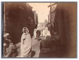 Tunisie-Scene-animee-dans-une-ville-tunisienne-Vintage-albumen-print-Tirage