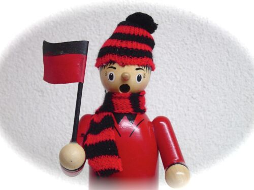 Räuchermann Fußballer Kicker Fußballspieler 20 cm Rot schwarz Räucherfigur 40331