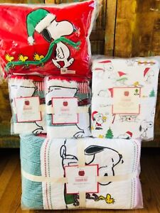 Pottery-Barn-Kids-Peanuts-Holiday-Full-Queen-Quilt-Sheet-Set-Shams-Snoopy-Pillow