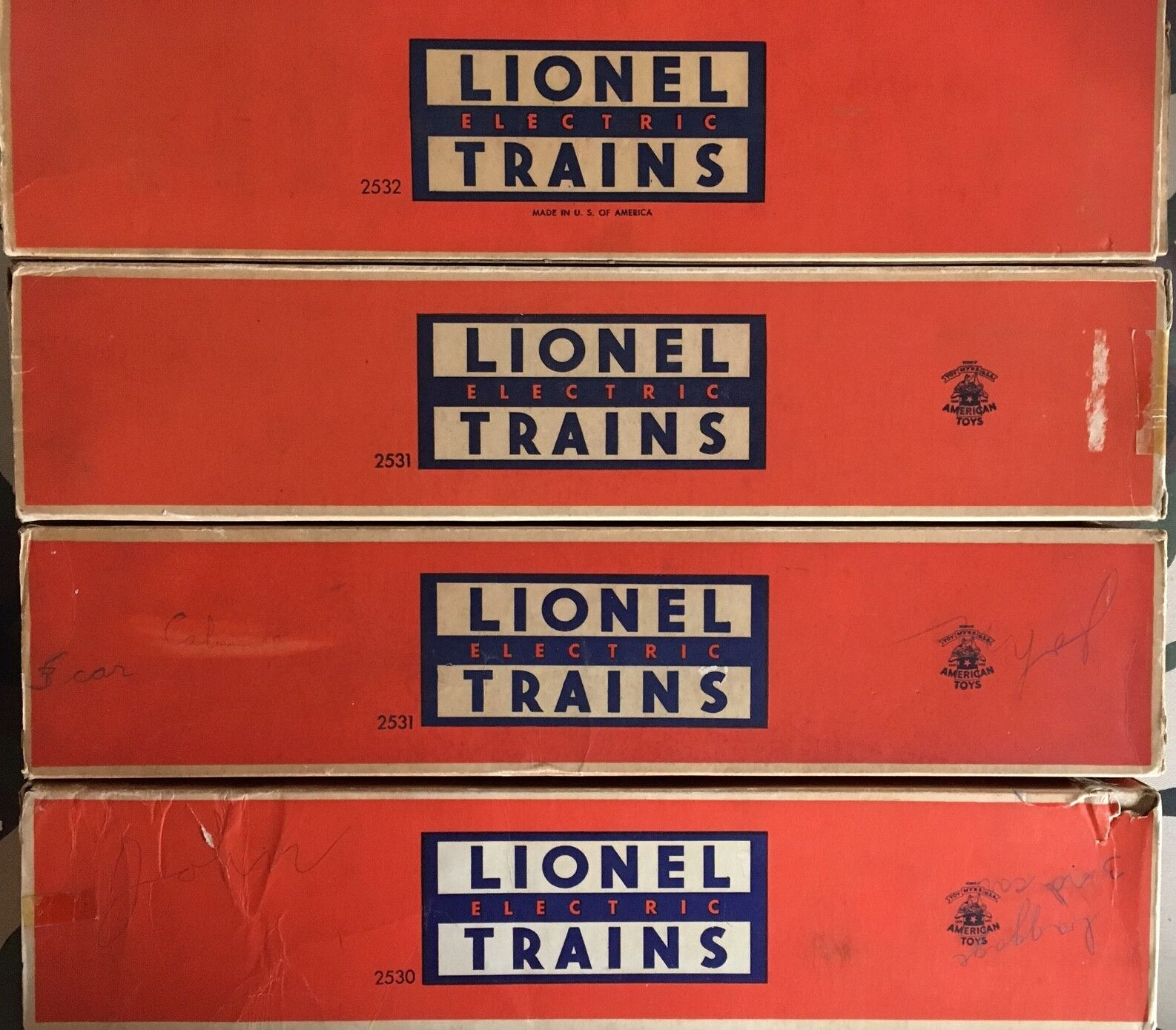 Lionel 2530,2531,2532,2534 4 Car Aluminum Passenger Set W  boxes and liners NICE