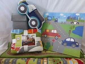 8 Pc Circo Around Town Collection Twin Quilt Bedding