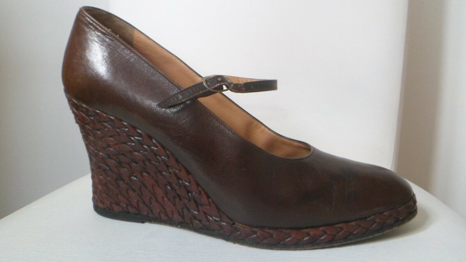 MARIO VALENTINO BROWN LEATHER WEDGE HEEL SHOES. SIZE UK 7 EU 40