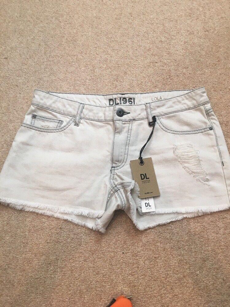 DL 1961 Lola Cut Off Light Wash Denim Shorts Size 30 NWT
