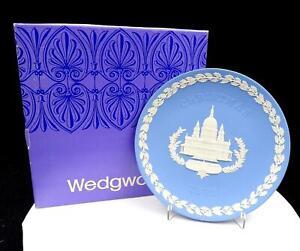 WEDGWOOD-JASPERWARE-BLUE-CHRISTMAS-8-034-ST-PAUL-CATHEDRAL-PLATE-ORIGINAL-BOX-1972