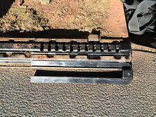 Vw T2 Bay T25 Asiento Delantero deslizante Canal alimentador / Glide Pieza de plástico negro cada
