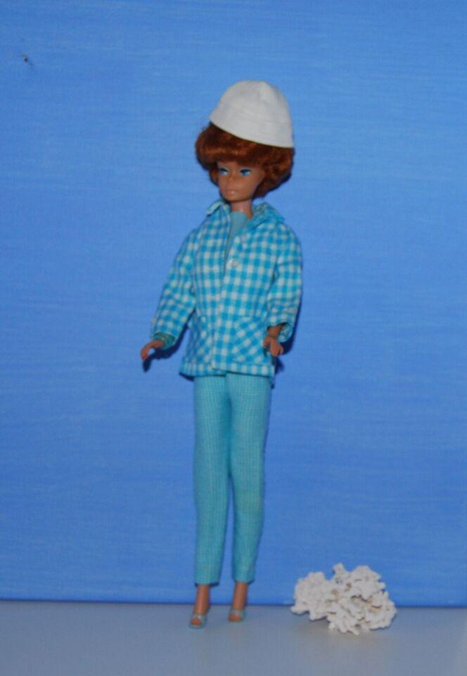 Barbie, 60er Bublecut Barbie dukke i flot Casual sæt
