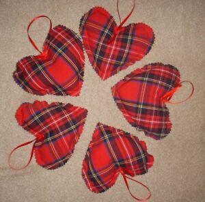RED-TARTAN-Christmas-Hearts-Fabric-Tree-Decorations-door-Ornaments-x5-homemade