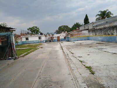 Venta Terreno, Cuernavaca, Morelos, céntrico, con locales