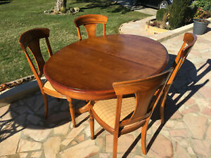 1 Table Et 4 Chaises En Bois Merisier Tbe