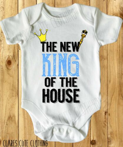 THE NEW KING OF THE HOUSE BABY VEST// GROW WHITE AVAILABLE IN MOST SIZE