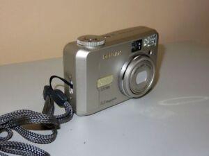 Pentax-Optio-330-GS-3-3-Mp-Digital-Kamera-Silberne