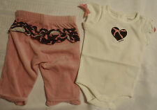 Gymboree 0-3 Month Bodysuit NWT 3-6 Mo Used Outlet Velour Giraffe Pant Outfit