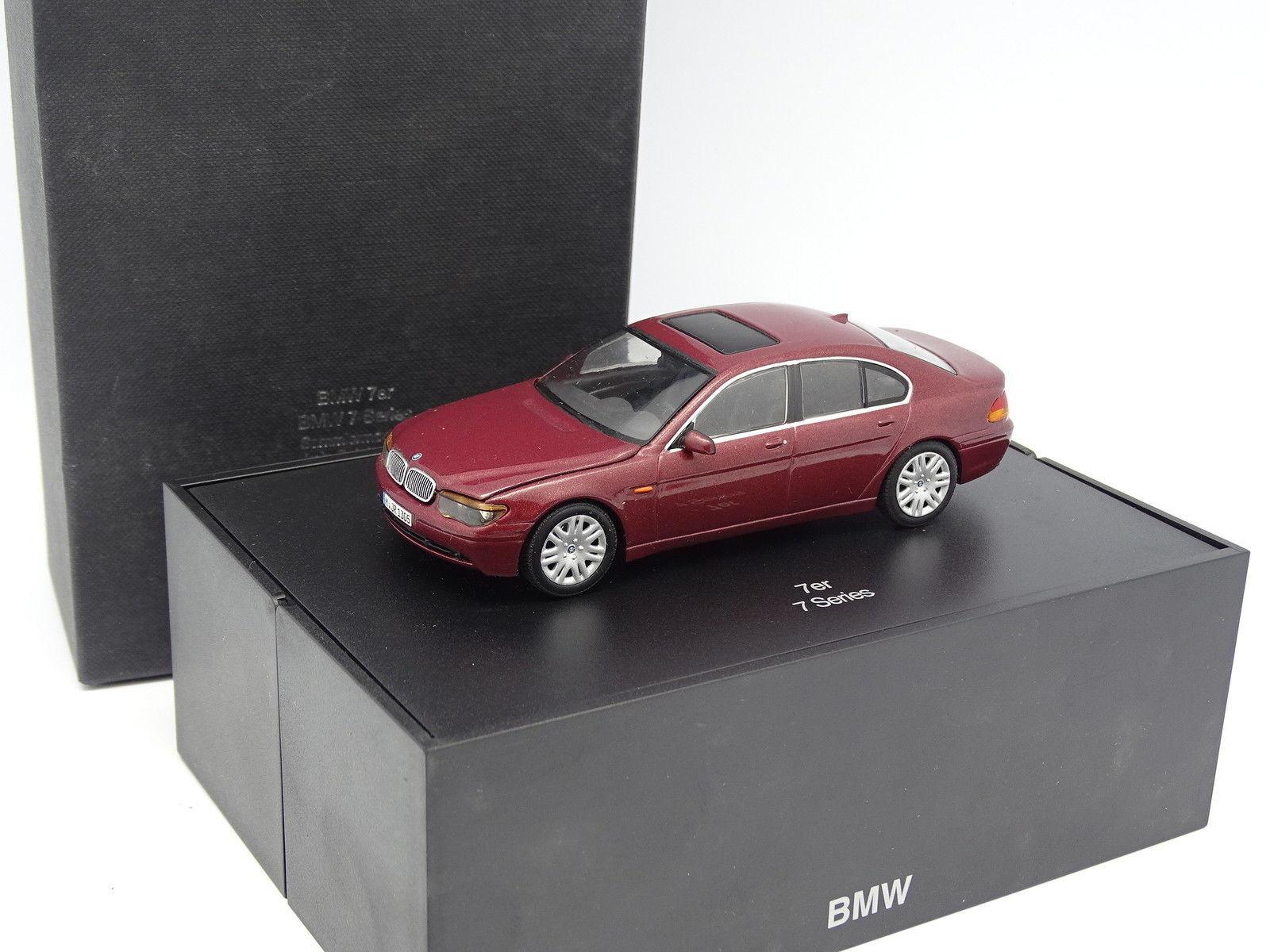 Minichamps 1 43 - BMW Serie 7 e65 Rouge