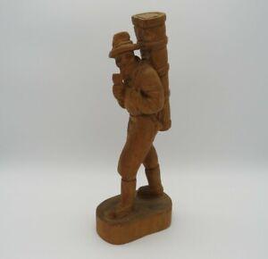 Holzschnitzerei-Mann-mit-Rucksack-und-Pfeife-34-cm