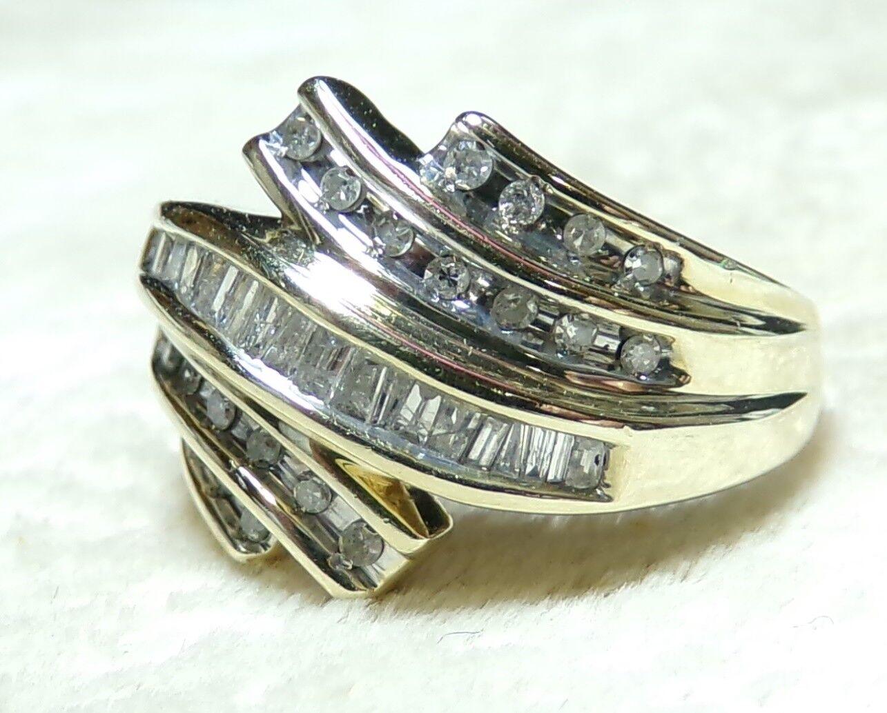10k Yellow gold 44 Diamond BYPASS Wrap Baguette Round Sz 7 Ring 1.54tcw Marked
