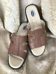 4e5623852d4e31 Dr. Scholl's~Brown Leather~Dbl. Air-Pillow~Slides~Sandals~Womens Sz ...