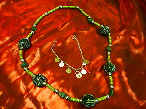LOT-beau-COLLIER-perles-sautoir-GOURMETTE-BRELOQUES