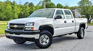 2006-Chevrolet-Silverado-2500-NO-RESERVE-33K-MILES-LS-6-0L-4X4-1-OWNER-CLEAN