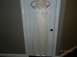 VTG-34-Slip-Full-LONG-Formal-Ivory-Lace-Negligee-Nightgown-Bridal-Made-in-USA