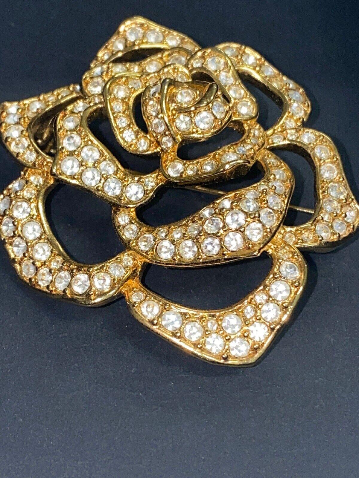 Vintage Elizabeth Taylor Crystal Paved Roze Pin - image 1