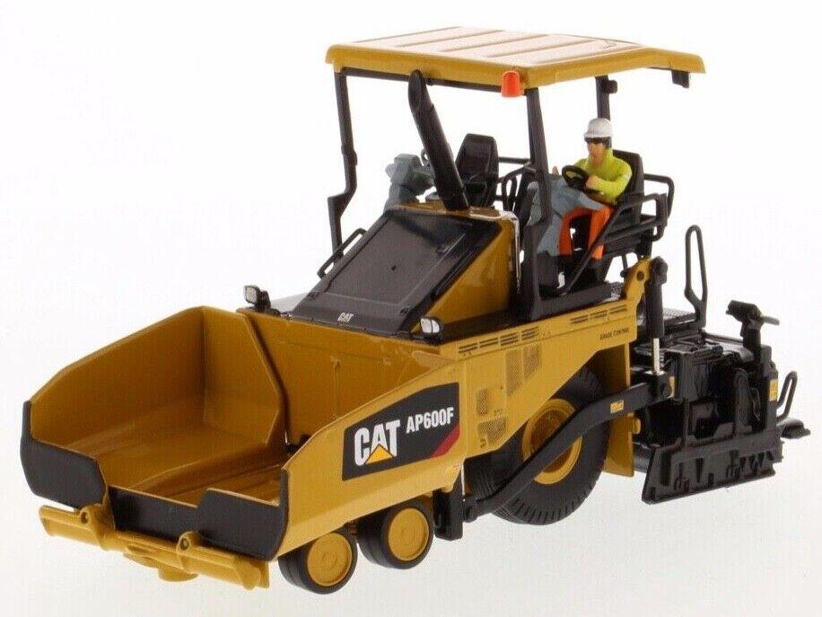 Cat  Caterpillar 1 50 scale AP600F Wheeled Asphalt Paver 85591 Diecast Masters  pas de minimum