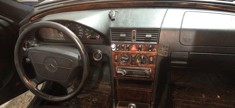 Mercedes C220, 2,2 CDi Elegance aut., Diesel