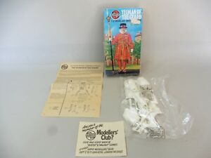 YEOMAN OF THE GUARD MAQUETTE / AIRFIX / 1/12 MODEL KIT / ETAT NEUF