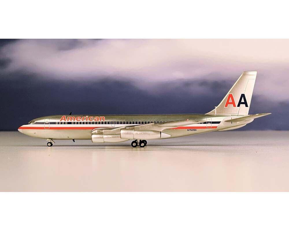 BlauBOX AEROCLASSICS  AMERICAN AIRLINES B720 N7528A 1 200 Scale BB27528A